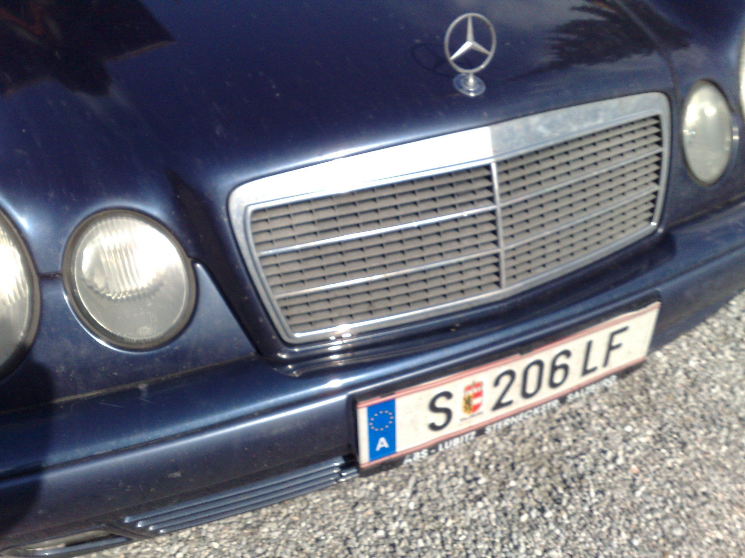 Der Mercedes, mit dem David Duke in Österreich jahrelang herumfuhr