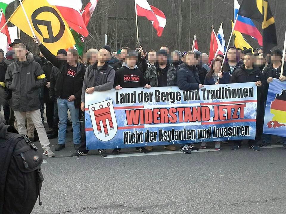 Identitären-Demo mit B&H-beteiligung (15.11.2015 Spielfeld)