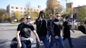 """Österr. Neonazis bei """"Kampf der Nibelungen"""" in Ostritz 2018 (Screenshot Doku """"Hammerskins"""")"""