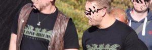 "Paul B. (li), Thomas C.-K. (Mitte) beim Neonazi-Kampfsportevent ""Kampf der Nibelungen"" Ostritz 13.10.18 (© pixelarchiv.org)"