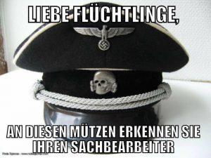 Dieses Bild postete der Angeklagte im Internet - und meinte vor Gericht, das Hakenkreuz und den SS-Totenkopf nicht bemerkt zu haben.