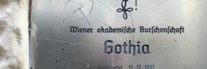 Türschild der Gothia Wien