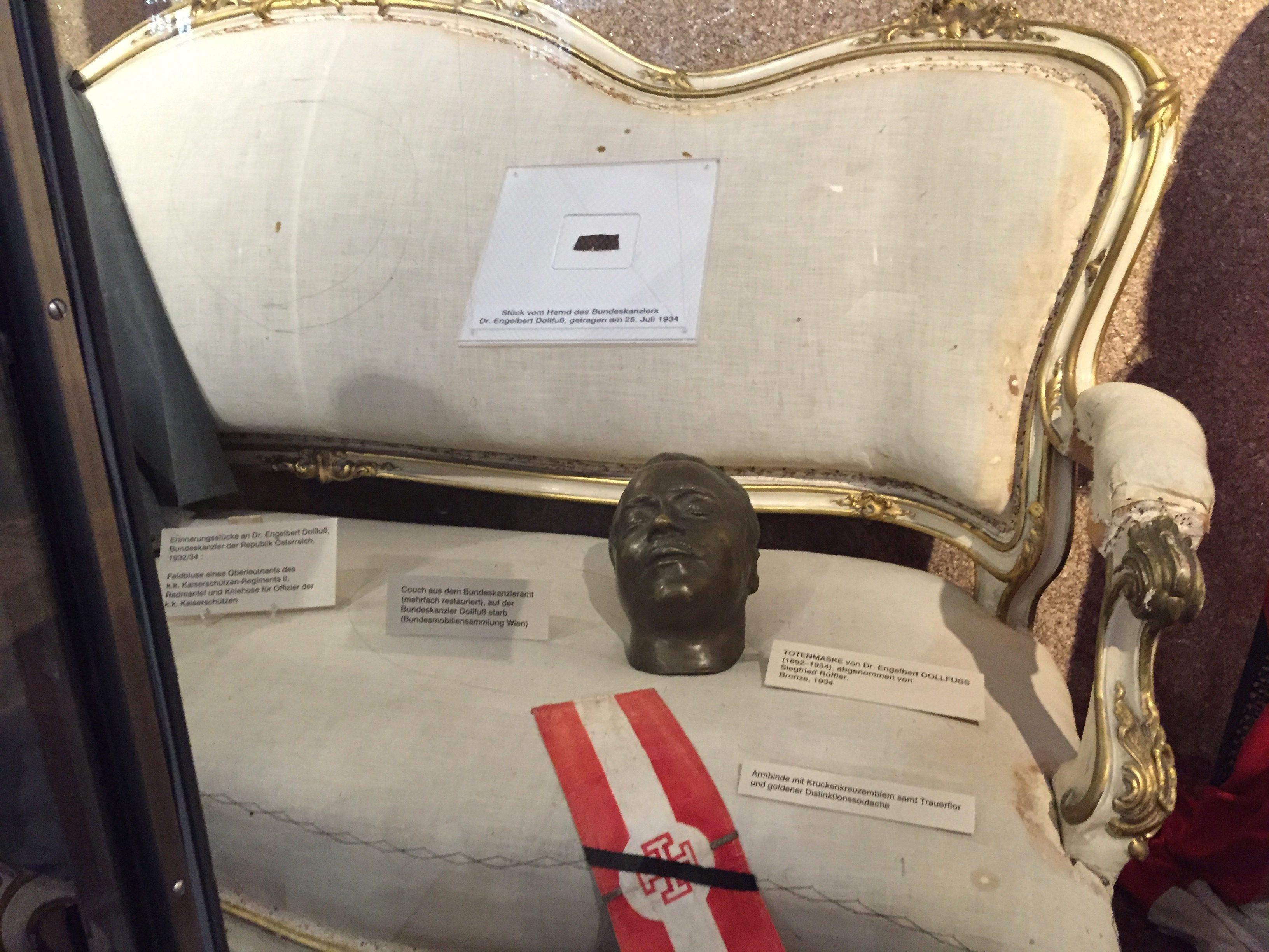 Dollfuß-Reliquiensammlung im HGM