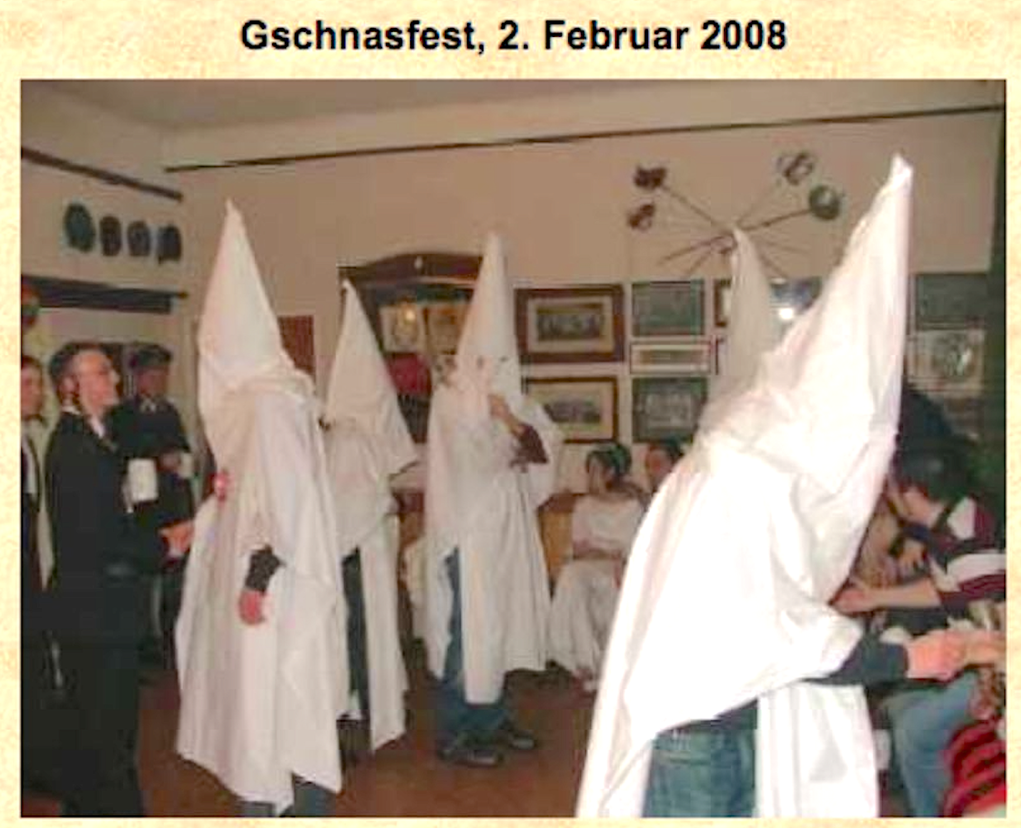 Germania-Gschnas 2008: mit Ku Klux Klan, Uniformierten und orthodoxem Juden (Screenshot Website Germania Wien, 2013)