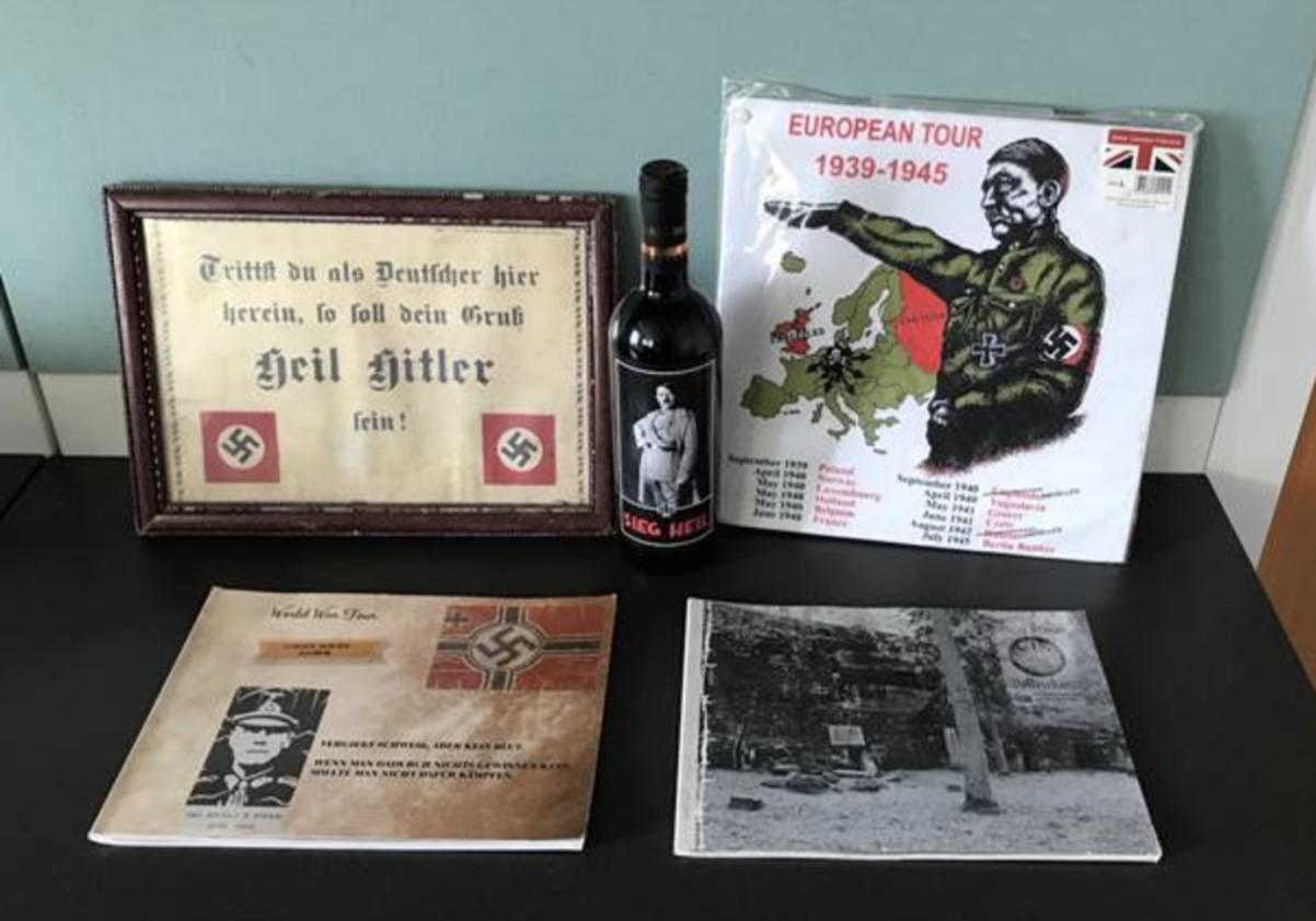 Nazi-Devotionalien im Büro (Gmünd; Foto: LPD NÖ)