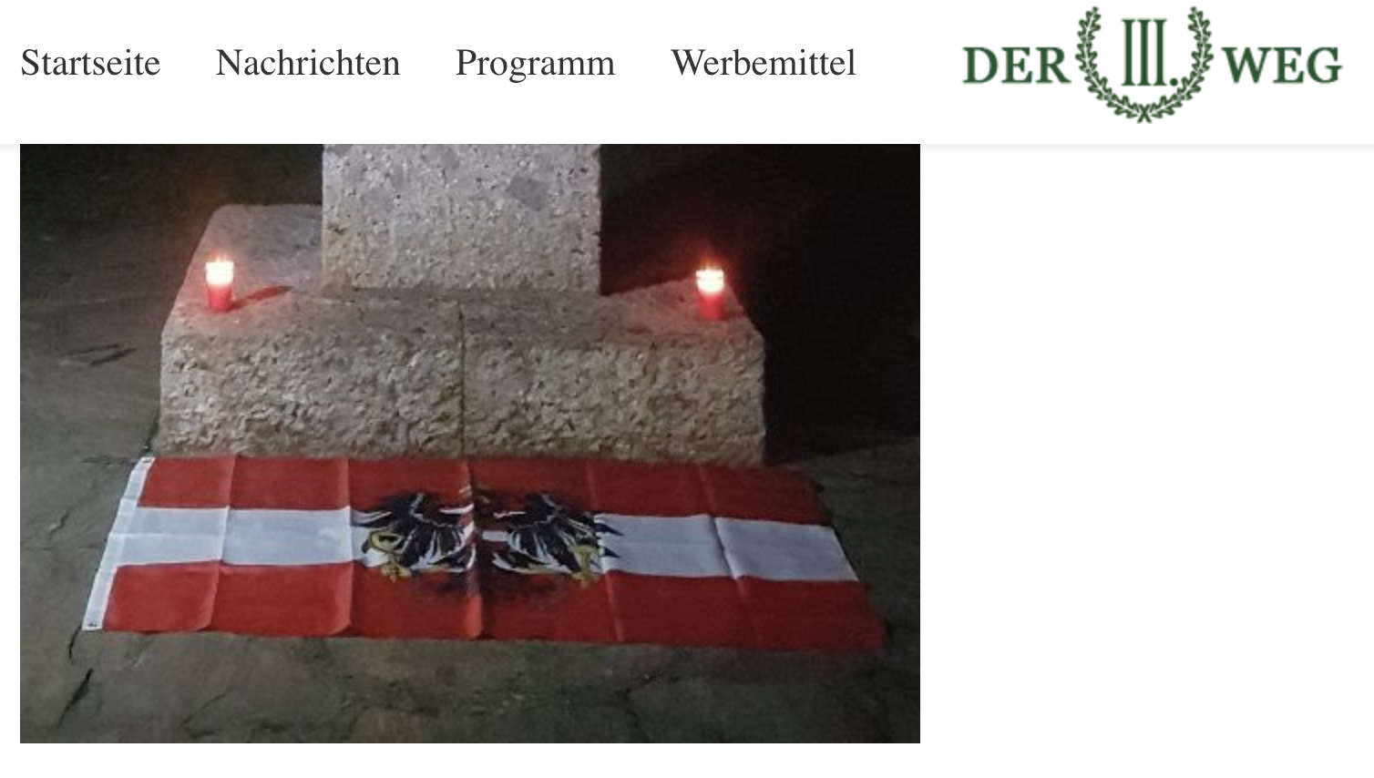 """Rechtsextremes Gedenken mit Kerzen und Österreich-Flagge in Bregenz beim Andreas Hofer-Denkmal (Screenshot """"Der III. Weg"""")"""