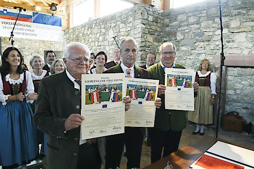 KäŠrntner Konsensgruppe in Arnoldstein Sept. 2018, v.l.: Josef Feldner, Alfredo Sandrini, Marjan Sturm (© fritzpress)