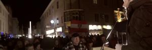 Michael Schnedlitz beim Auftritt vor den Identitären in Wiener Neustadt (Screenshot Youtube)